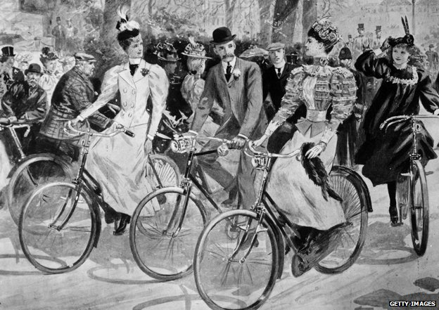 _76628658_women-bicycle