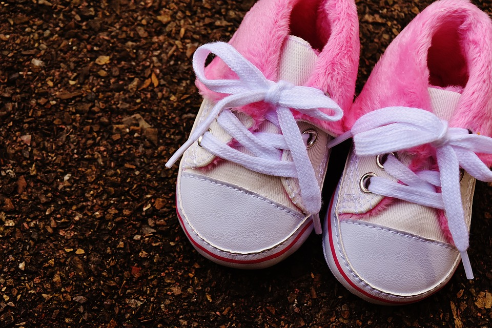 baby-shoes-1796582_960_720