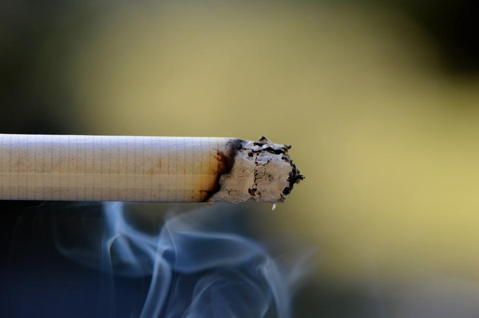 cigarette-666940_960_720