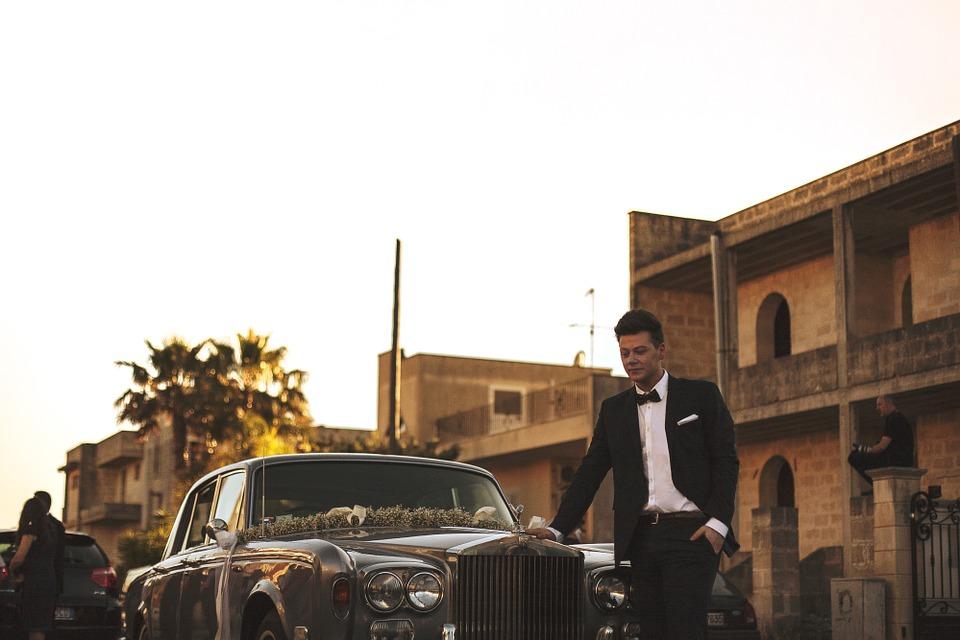 groom-828837_960_720